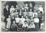 Class photo, Benton City Grade School, 4th grade, 1946-1947
