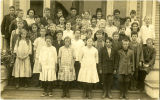 Clear Lake School, Miss Woods' fifth and sixth grade class, 1915