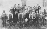 Dysart School, class photo, Kittitas County, Washington, circa 1900-1909