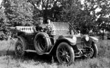 Stearns-Knight automobile and couple, Olympic Peninsula, Washingon, 1912