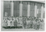 Students in front of the German school
