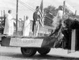 Ellensburg Rodeo parade, Nanum Grange float, September 2, 1940