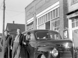 Caesar and Pio Panieri outside the Roslyn Bakery & Grocery, December 1940