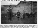 Daniel Elliott and his children near Tekoa, Washington, 1916